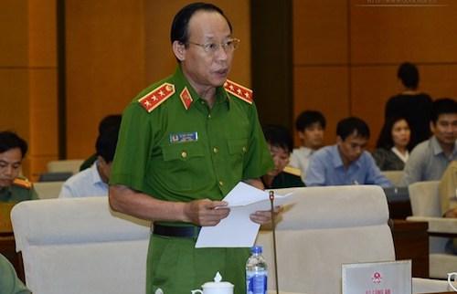 thu-truong-cong-an-ong-trinh-xuan-thanh-nen-ve-nuoc-dau-thu