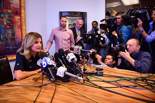 Attorney Lisa Bloom speaks at presser in Woodland Hills, California on 2 November 2016.