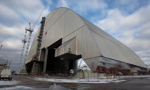 nam-mo-thep-36000-tan-tren-nha-may-hat-nhan-chernobyl