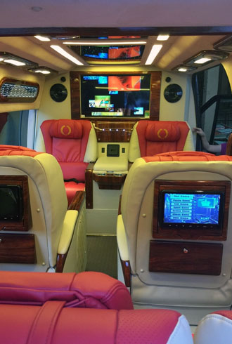 ford-transit-limousine-tu-viet-nam-xuat-sang-kuwait
