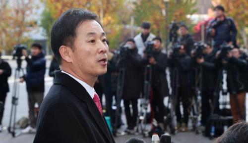 Yoo Yeong-ha, luật sư của Tổng thống Hàn Quốc Park Geun-hye. Ảnh: Reuters