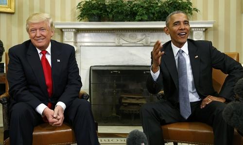 Tổng thống đắc cử Donald Trump và Tổng thống Barack Obama phát biểu với báo giới sau cuộc gặp tại Nhà Trắng hôm 10/11. Ảnh: Reuters.