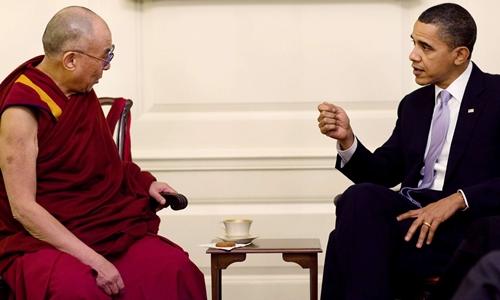Nhà sư Đạt Lai Lạt Ma và Tổng thống Obama trong cuộc gặp tại Nhà Trắng hồi năm 2010. Ảnh: Reuters.