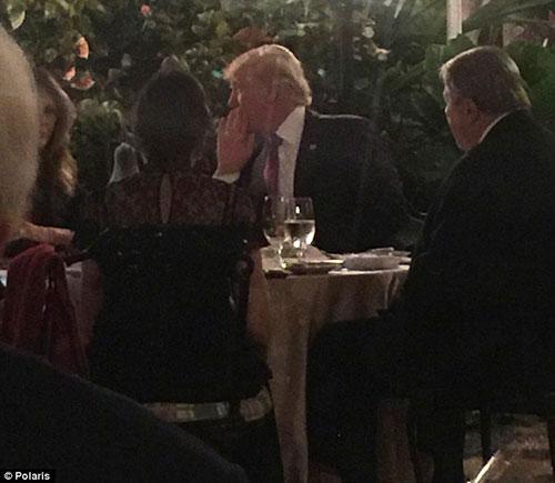 Ông Trump và vợ con sẽ nghỉ lễ Tạ ơn tạibiệt thựMar-a-Lago ở Palm Beach, Florida đến 27/11. Ảnh: Polaris