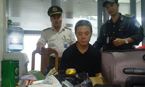 Một tháng có 14 vụ khách nước ngoài trộm cắp trên máy bay