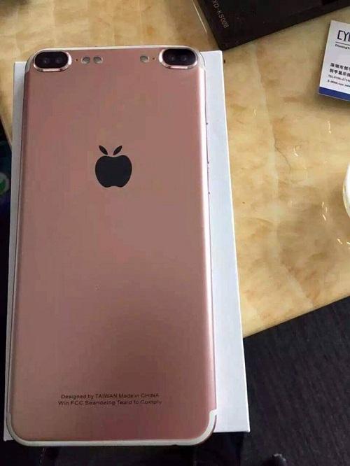 Điện thoại trái táo phiên bản đầy đủ.