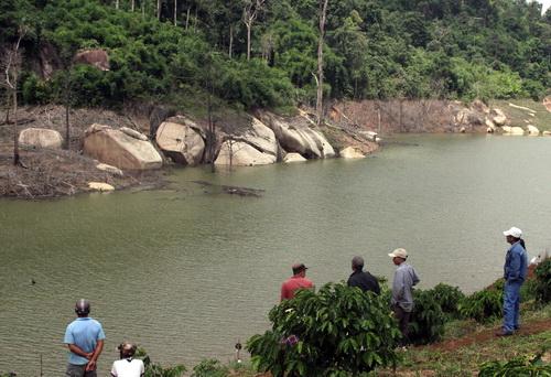 Hồ nước nơi các em chết đuối. Ảnh: Hoài Thanh