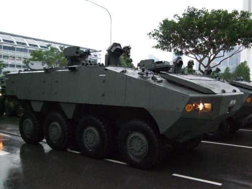y-do-cua-trung-quoc-khi-giu-xe-thiet-giap-singapore-o-hong-kong-1