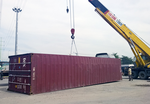 thung-container-vang-xuong-vong-xoay-o-sai-gon