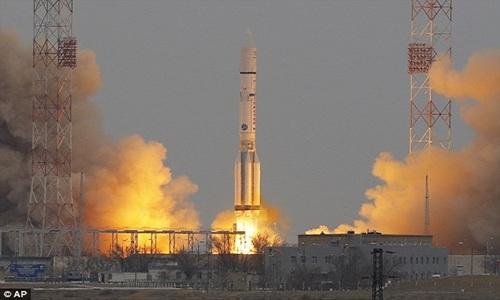 Tên lửa không gian siêu lớn của Nga sẽ mở đường cho việc xây dựng một trạm nghiên cứu trên Mặt Trăng. Ảnh: AP.
