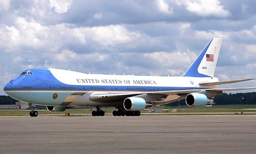 Chuyên cơ tổng thống Mỹ Air Force One. Ảnh: Reuters.