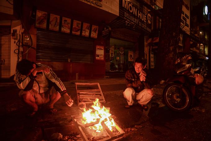 Mưu sinh trong đêm Sài Gòn se lạnh