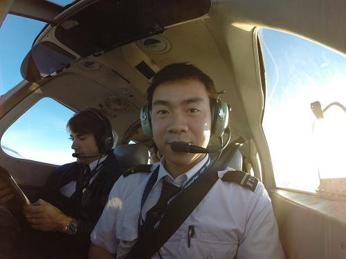 Trung tâm huấn luyện bay của Vietnam Airlines tuyển sinh - ảnh 1