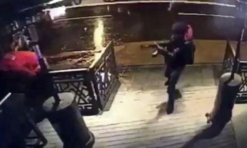 20 phút xả súng của sát thủ trong hộp đêm Thổ Nhĩ Kỳ