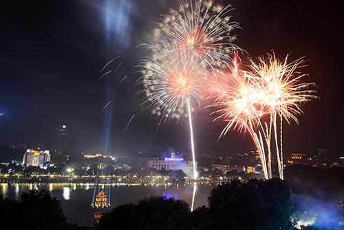 Tết Nguyên Đán năm nay, Hà Nội không bắn pháo hoa vào đêm giao thừa. Ảnh minh họa: Ngọc Thành.