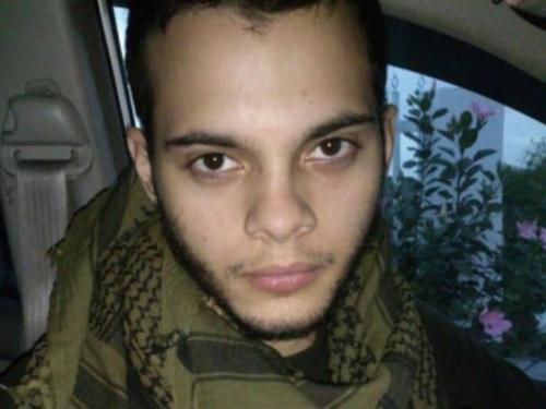 Nghi phạm Esteban Santiago sinh tại Mỹ. Ảnh: Independent