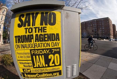 Hàng trăm nghìn người biểu tình chuẩn bị đổ về Washington phản đối Trump - ảnh 1