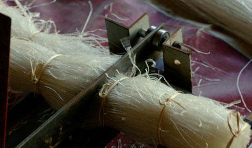 Miến đao sau đó được bó lại, cắt theo đúng tiêu chuẩn độ dài  để đóng gói.