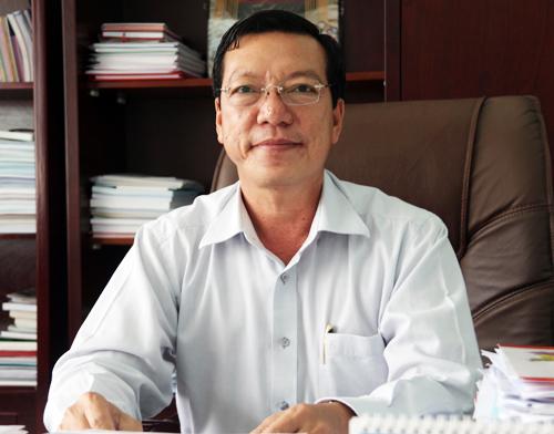 lanh-dao-binh-chanh-huyen-dong-dan-nhat-nuoc-can-cai-ao-rong-hon