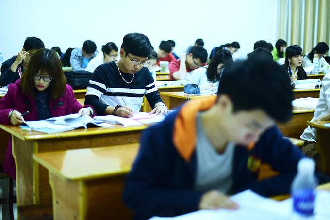 Một ngày của sinh viên ngành học vất vả bậc nhất Việt Nam