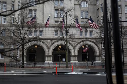 Khách sạn Trump International Hotel ở Washington. Ảnh: Bloomberg
