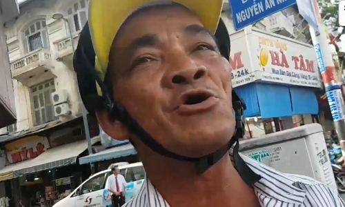 nam-sinh-mexico-rut-sung-ban-co-giao-va-ban-hoc-giua-lop-3