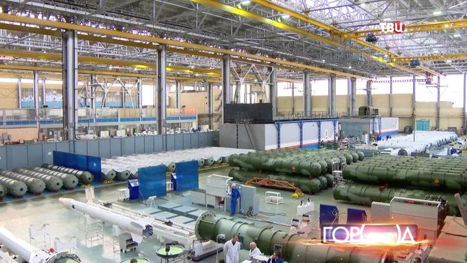 Bên trong nhà máy sản xuất 'rồng lửa' S-400 Nga
