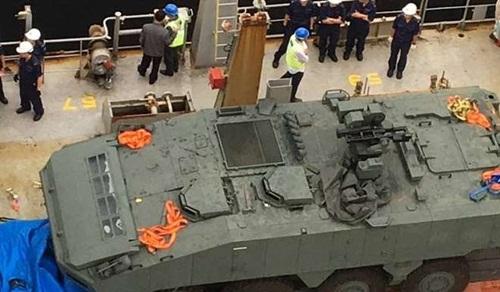 Xe bọc thép Terrex của lực lượng vũ trang Singapore bị thu giữ tại Hong Kong. Ảnh: Reuters