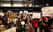 Nhà Trắng phủ nhận tình trạng hỗn loạn sau sắc lệnh của Trump