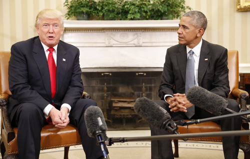 [resident Barack Obama meets with President-elect Donald Trump in the Oval Office on Nov. 10. (Pablo Martinez Monsivais/AP)