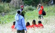 Dân phượt giẫm đạp hoa ở Tây Bắc gây bão cộng đồng