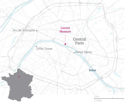 Bảo tàng Louvre nằm ở trung tâm thủ đô Paris, gần