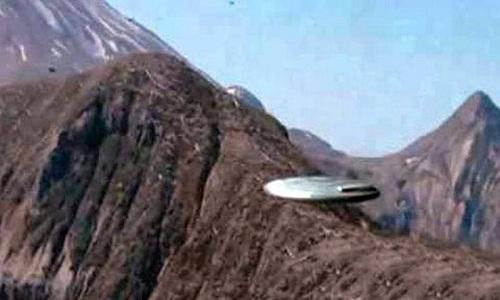 Nhiều trường hợp UFO trên dãy Himalaya được ghi nhận trong tài liệu mật của CIA. Ảnh minh họa: Blogspot.