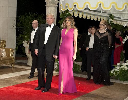Đệ nhất phu nhân Mỹ ghi điểm với váy dự tiệc hàng hiệu