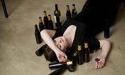 Cô gái say rượu bị gã đi đường lừa vào nhà nghỉ