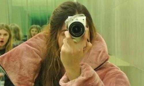Natalia Gutkiewicz luôn tìm cách ẩn giấu khuôn mặt. Ảnh: Instagram