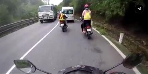 ducati-phong128-km-h-bi-tai-nan-do-dong-doi-phanh-gap-tranh-ga-1