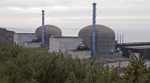 Nhà máy điện hạt nhân Flamanville ở tây bắc Pháp. Ảnh: Reuters