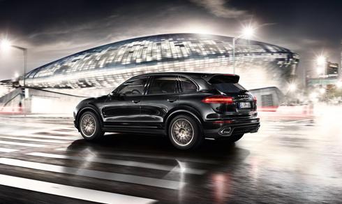 Porsche Cayenne S Platinum có giá gần 5,8 tỷ đồng