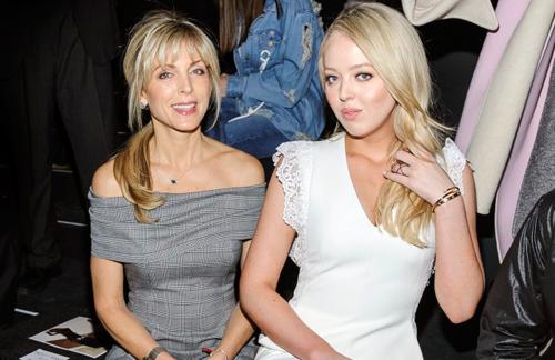 Tiffany Trump vàbà Marla Maplestại New York Fashion Week cùng mẹ là