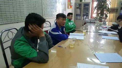 chang-trai-cat-bo-xuong-suon-de-co-vong-eo-con-kien-3