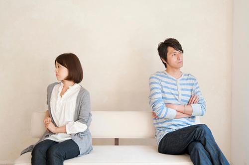số đàn ông và phụ nữ đã có gia đình nói rằng họ đang sống trong những cuộc hôn nhân không tình dục