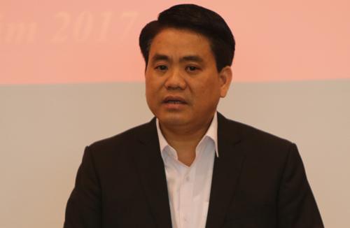Chủ tịch Hà Nội: Ô nhiễm không khí ở mức báo động đỏ - ảnh 1