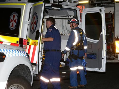 Lực lượng cảnh sát và cứu hộ tại hiện trường vụ việc. Ảnh: Bill Hearne