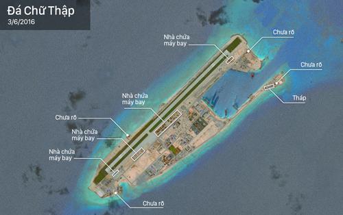 Nhà chứa máy bay và các cấu trúc lạ Trung Quốc xây dựng trên đá Chữ Thập của Việt Nam. Ảnh: CSIS