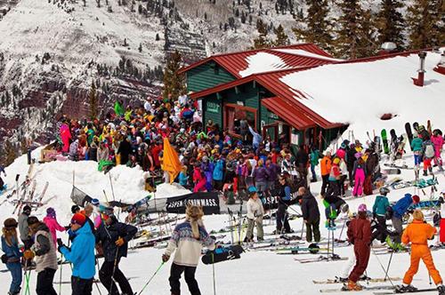 Khung cảnh ở khu trượt tuyết Aspen. Ảnh: Facebook