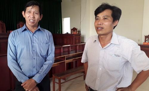Lái tàu Nguyễn Văn Túy (áo trắng) tại phiên tòa. Ảnh: Nguyệt Triều