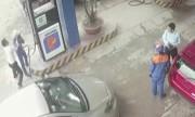 Khách đánh rách đầu nữ bán xăng vì nghi bơm chưa đủ 500.000 đồng