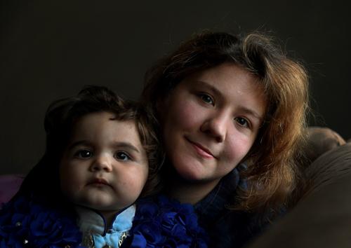 Steventjie Hasna và con gái. Ảnh: WP
