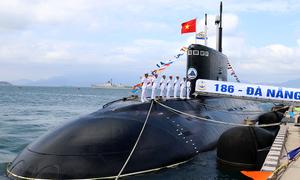 Thượng cờ hai tàu ngầm Kilo Đà Nẵng và Bà Rịa - Vũng Tàu